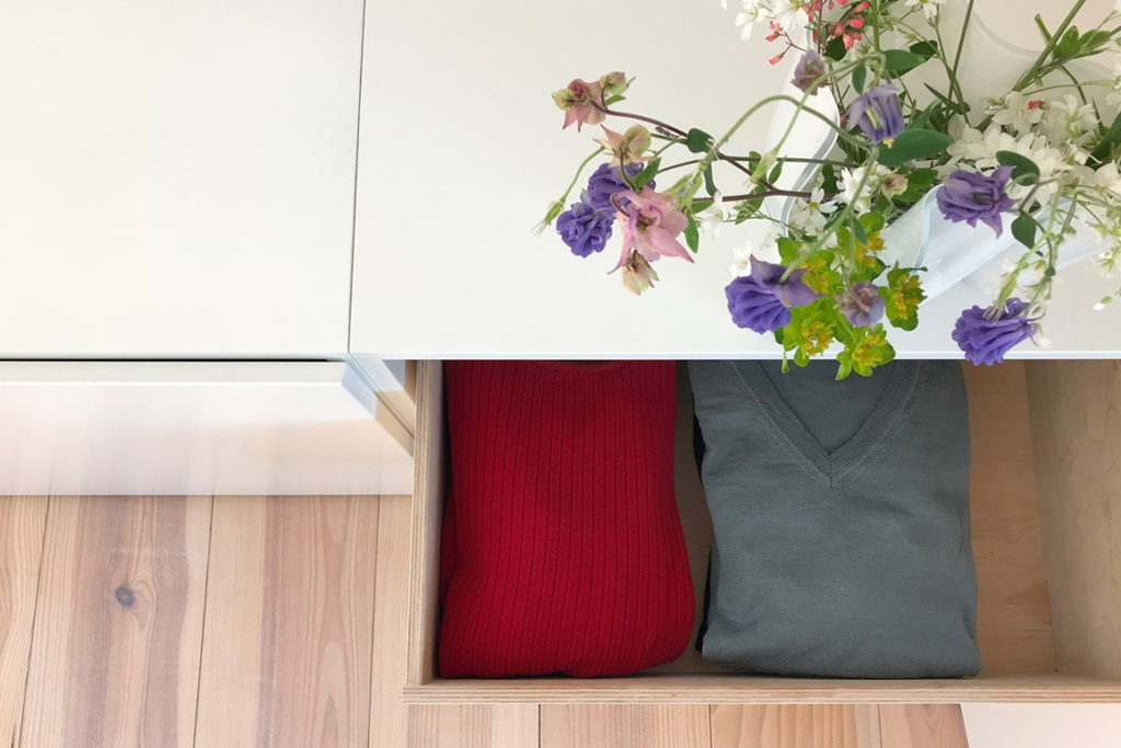 Nonjetable-About-Opened-Drawer