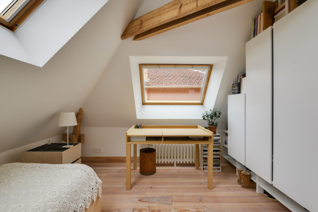 Nonjetable-Attic-With-Customized-Wardrobe-and-Oak-Desk