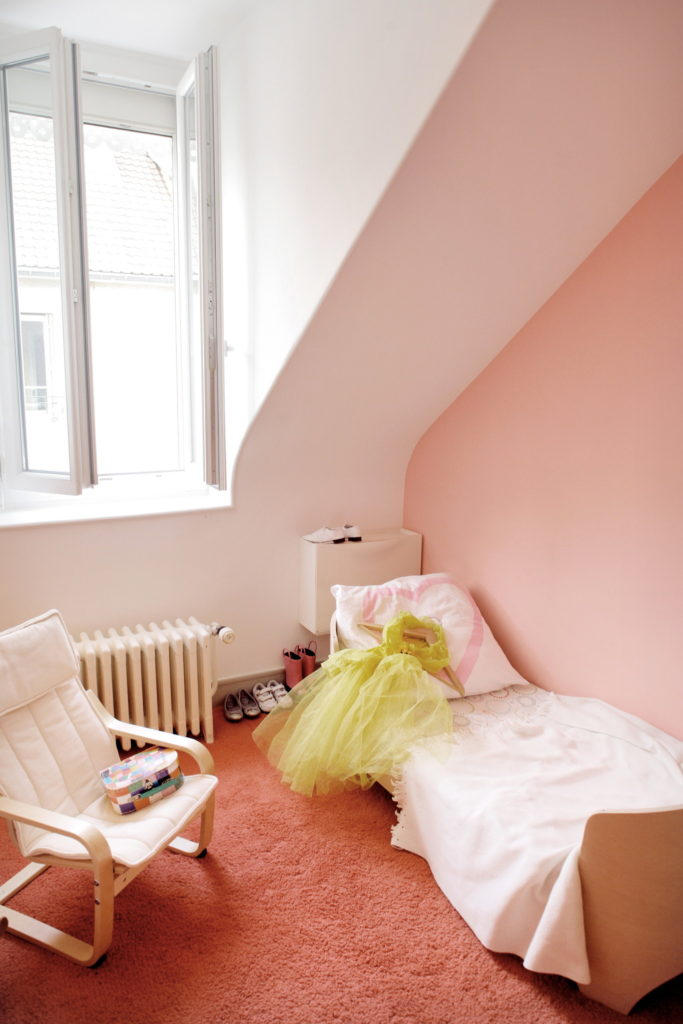 Nonjetable-Colourful-Child-Bedroom