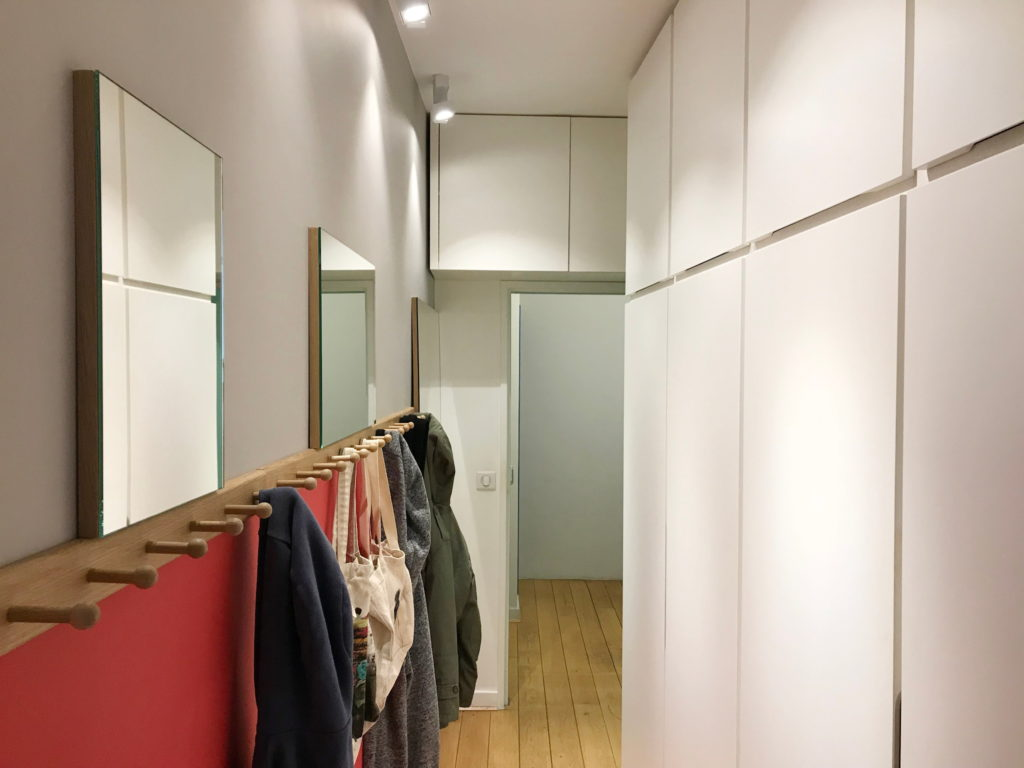 Nonjetable-Corridor-Customized-Mirrors-Coat-Racks-and-Cupboards