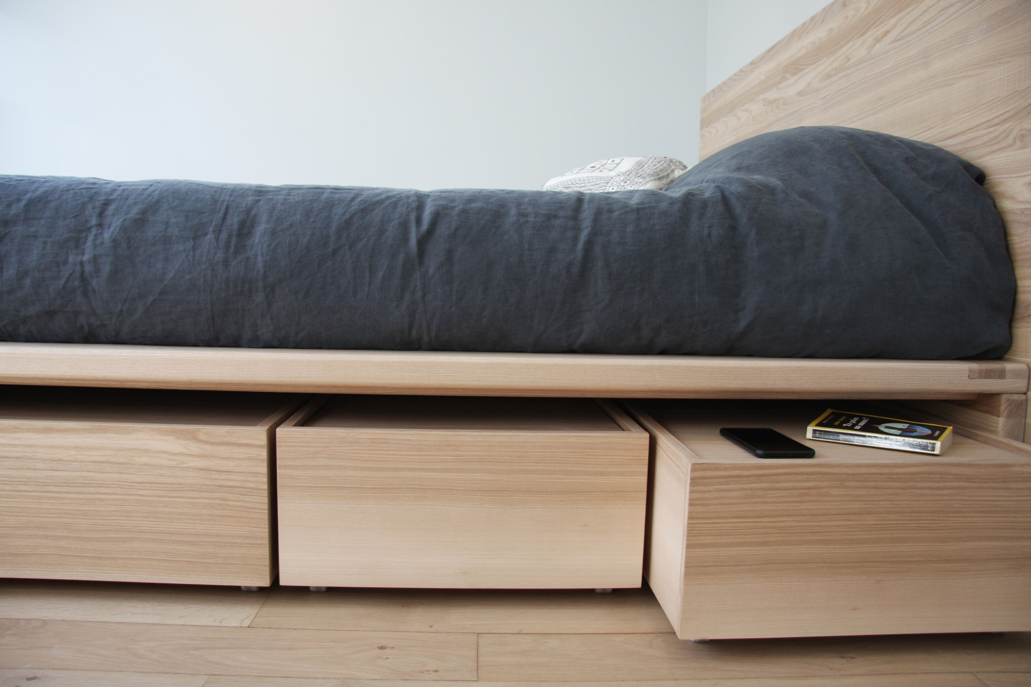Nonjetable-Customised-Solid-Ash-Double-Bed-180x200-02