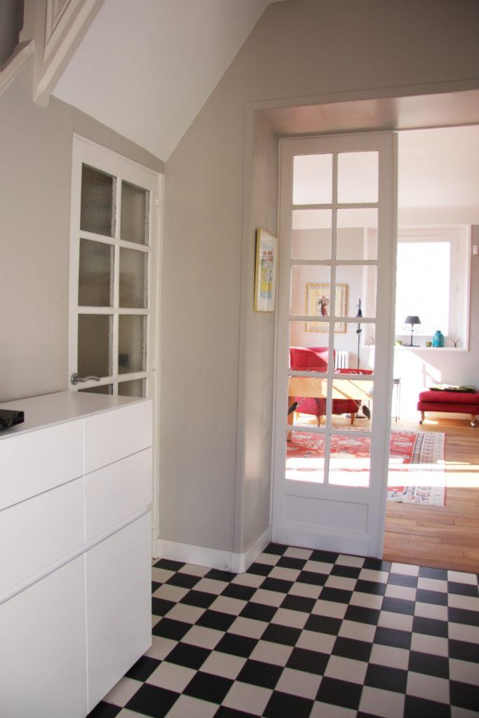Nonjetable-House-Renovation-Entrance-01