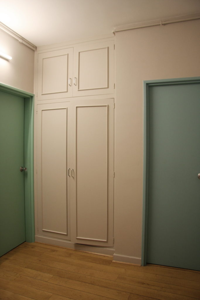 Nonjetable-Renovation-Vestibule-Integrated-Closets