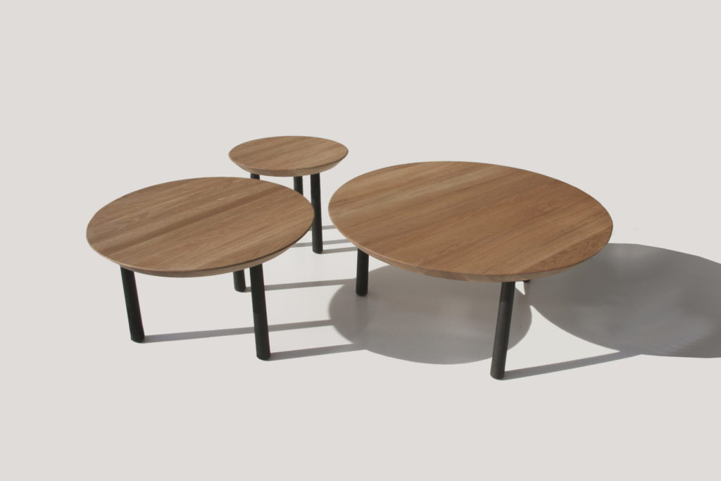Nonjetable-Round-Solid-Oak-Table-In-Three-Sizes-02