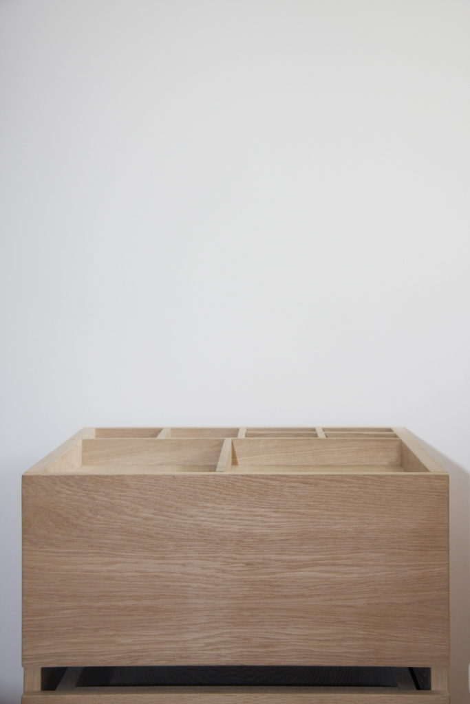Nonjetable-Oak-Desk-Drawer-Unit-Nonjetable-Collection