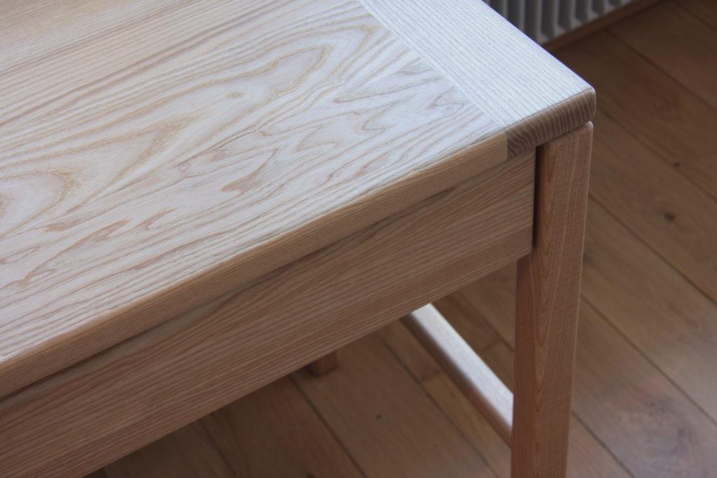 Nonjetable-Solid-Ash-Made-To-Measure-Desk-Detail-Desktop